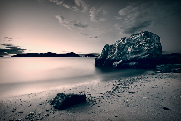 Lees Beach Rock Sunset Aji Copy