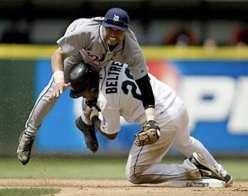 https://i2.wp.com/digital-photography-school.com/wp-content/uploads/2009/05/baseball-photography-5.jpg?resize=348%2C276