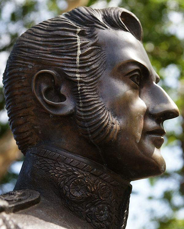 Statue 5.jpg