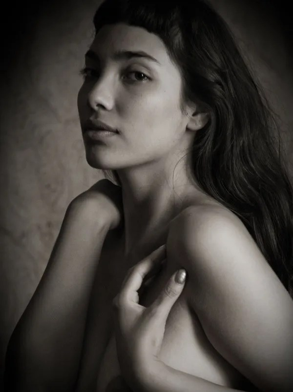 Create Beautiful Indoor Portraits Without Flash (NSFW)