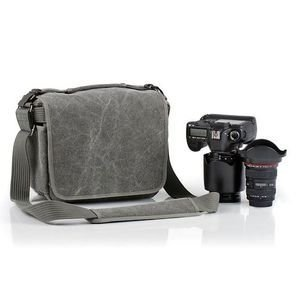 DISCUSS: What Type of Camera Bag Do You Use?
