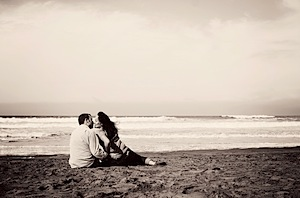Annie-Tao-Photography-couple-kissing-on-beach.jpeg