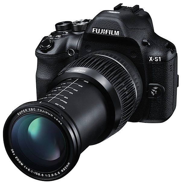 Fujifilm-X-S1_Front_Left_624mm.jpg