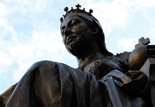 Queen Victoria statue.JPG
