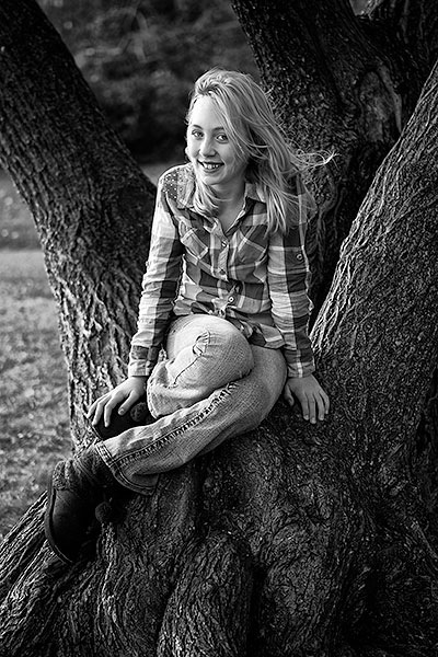 which lens to choose girl in a tree