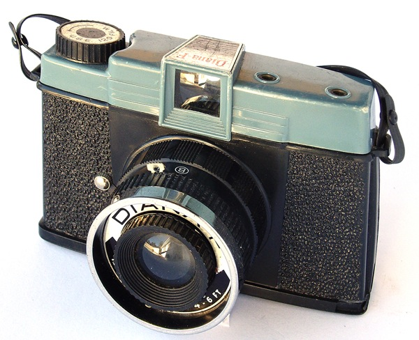 Diana F front