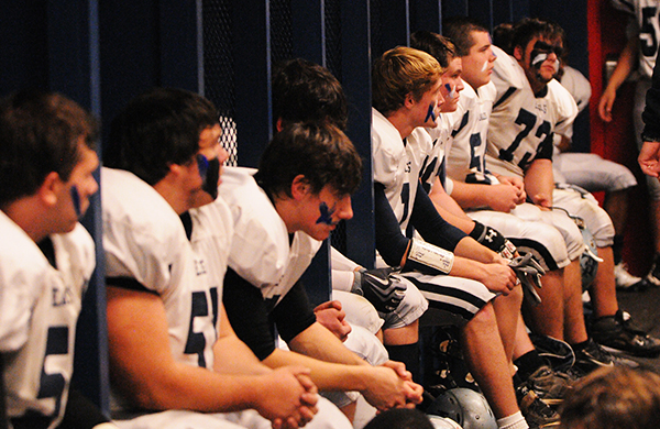 football players preparing for a game