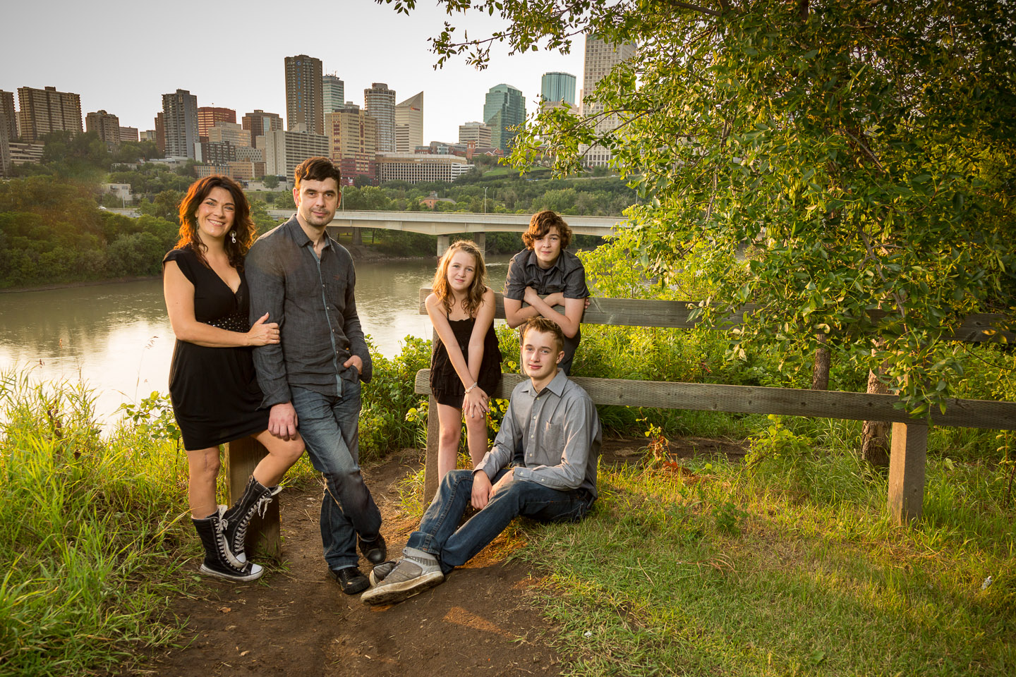 10 tips for creating great family portraits rh digital photography school com