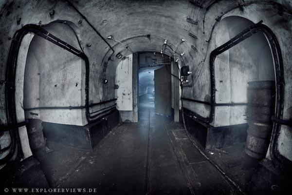 01 black door explorerviews