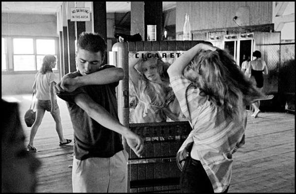 Masters Of Photography Bruce Davidson Master Of The Subway