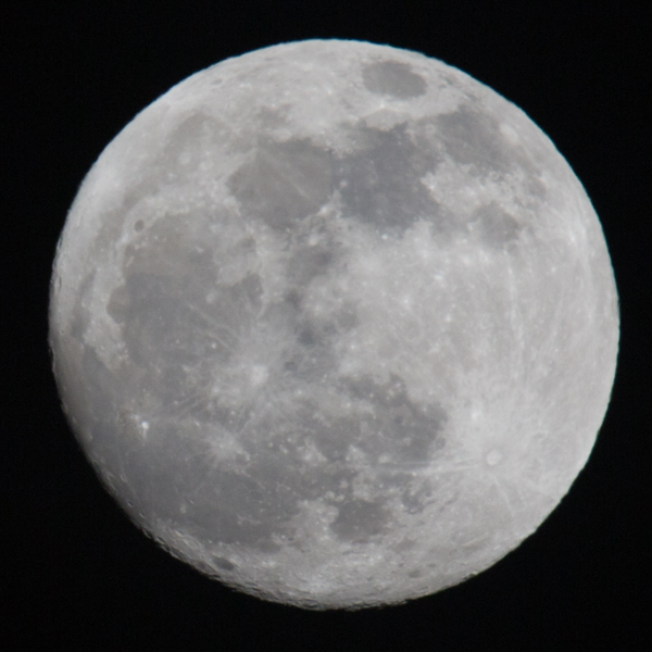 Focal length 600 mm - some chromatic aberration is visible