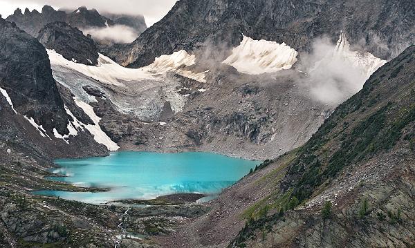Aptly named Cobalt Lake