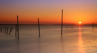 7 Uncommon Tips for Winter Sunrise Photos Near Water