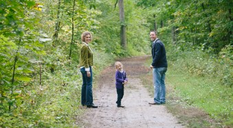 3 Tips for Capturing Connections in Family Portraits