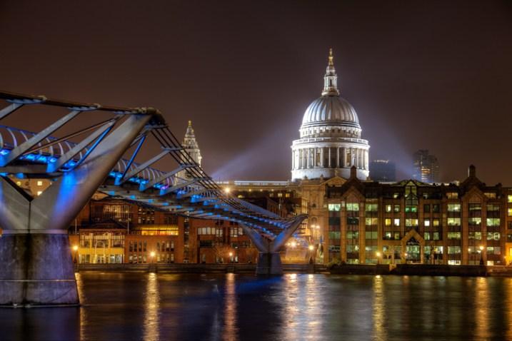 Proper Exposure at Night - Millenium Bridge example