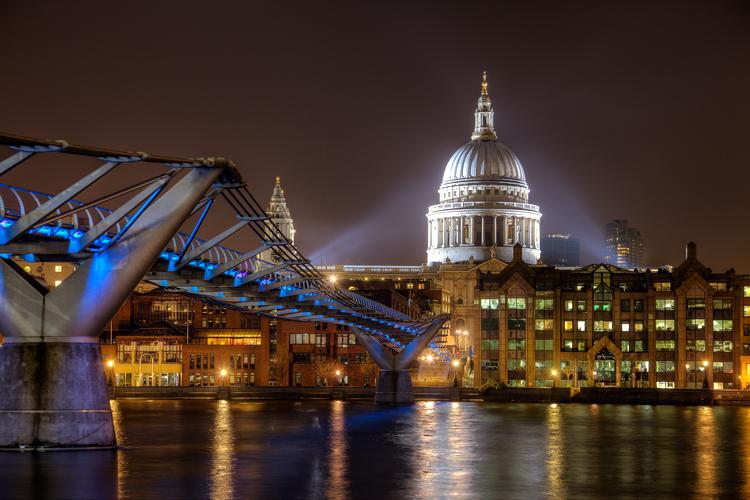 Exposição de Dicas de Fotografia Noturna - Exemplo da Ponte Millenium