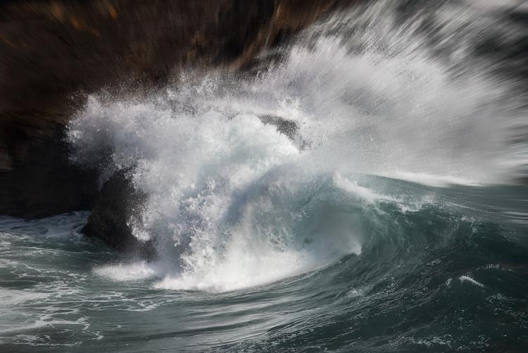 Top Coastal Formations - Crashing Waves