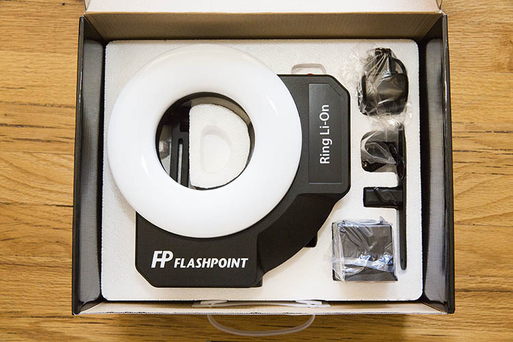 Adorama Flashpoint Ring Li-on ring flash