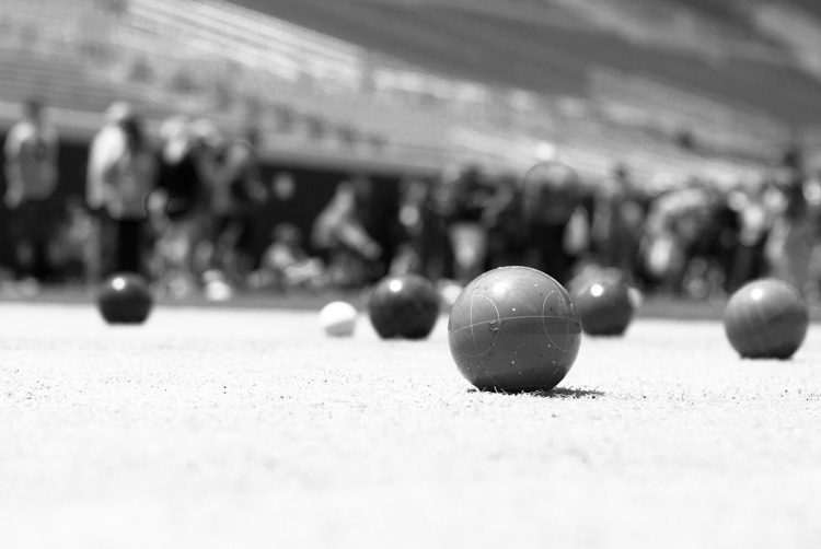 black-and-white-lightroom-balls-red-filter