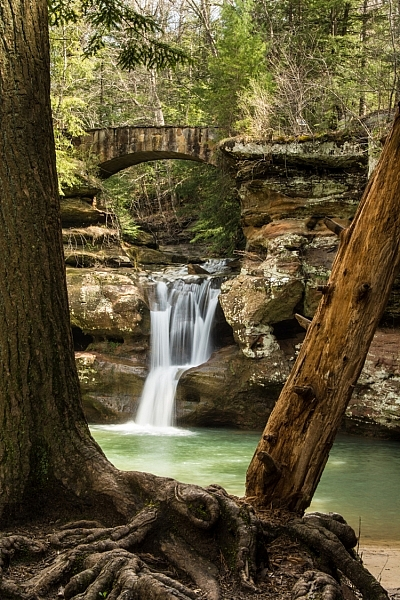 Use live focus to zoom in for a more accurate focus on waterfalls.