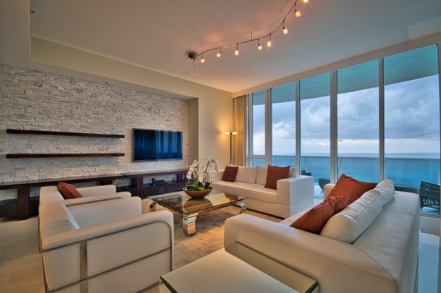 7 Images 1 Stop Apart - Indoor Bright Preset - Slight Contrast Adjustment