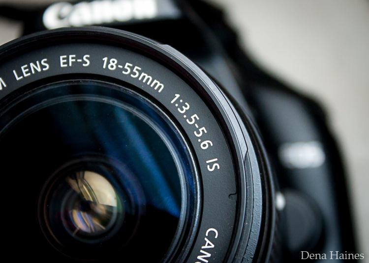 Lens aperture range
