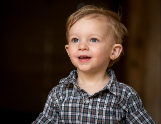 relaxing-for-portrait-session-child-looking-up