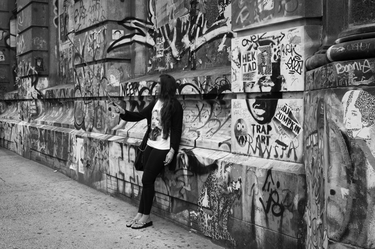 The Ultimate Guide to Street Photography Graffiti selfie