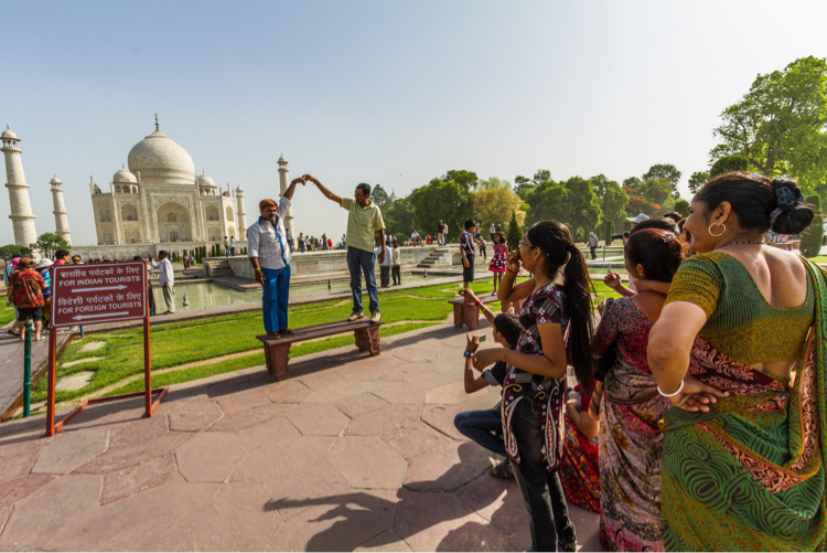 Tourists at teh Taj Mahal