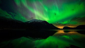 How to Photograph the Northern Lights or Aurora Borealis