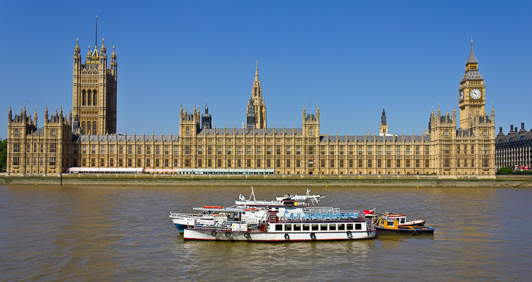Better cropping - a view of the House of Parliament.