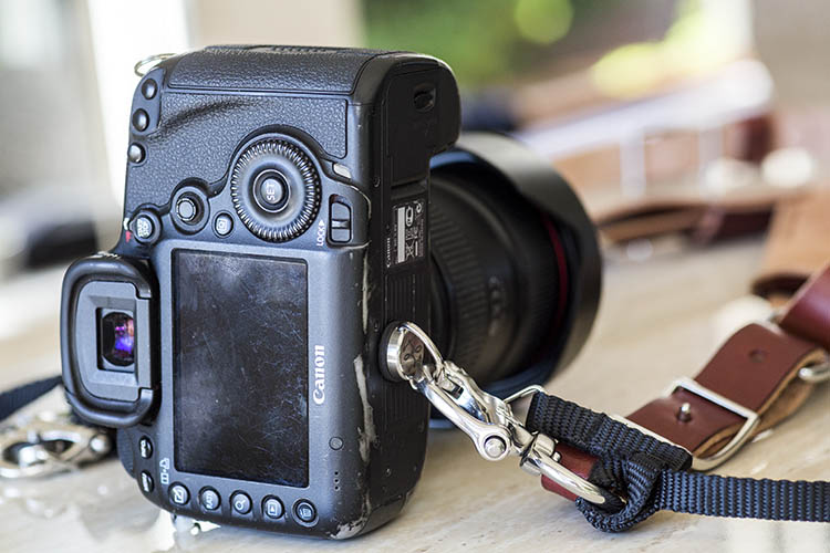 best leather camera strap Holdfast Moneymaker Review