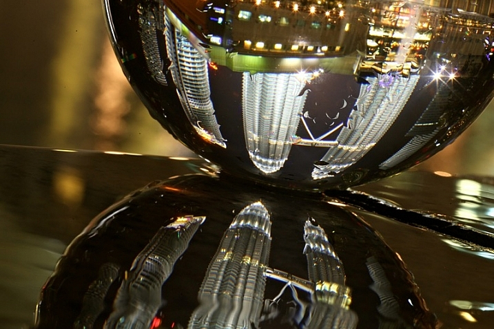 lensball close up
