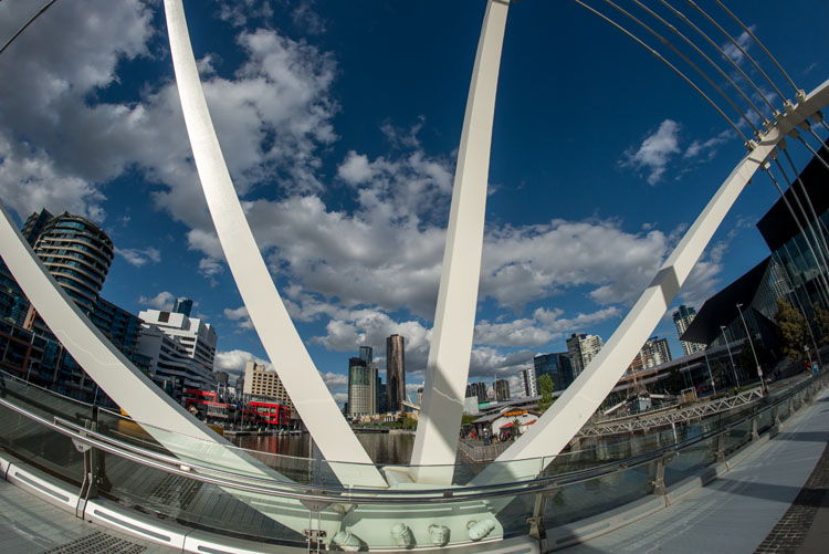 leannecole-samyang-12mm-fisheye-35