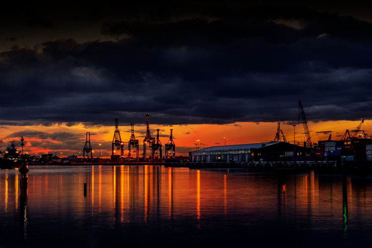 leannecole-benro-tripod-docklands-sunset
