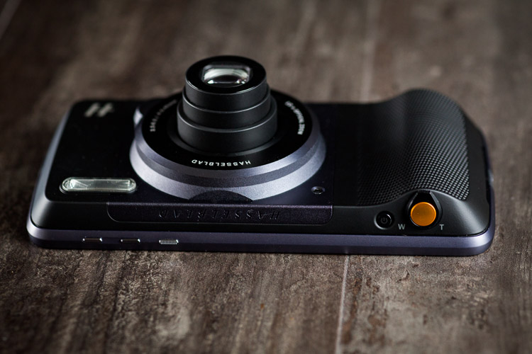 Field Test: The Hasselblad True Zoom Camera and Moto Z ...