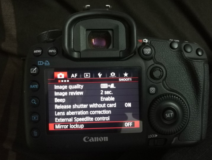 Image: Mirror Lockup feature on Canon