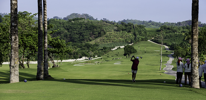 Image: Beautiful Philippines golf course.