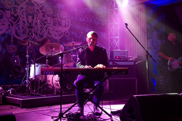 camera etiquette - concert photograph