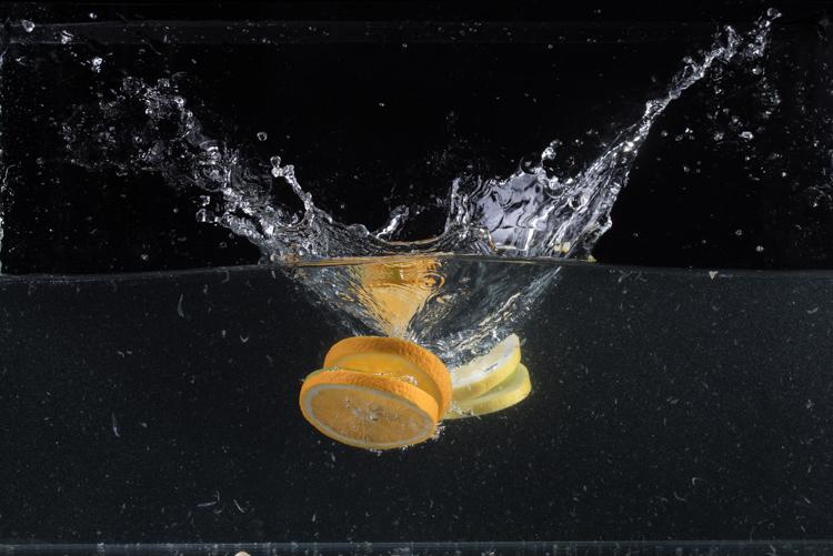 imagem de respingo de água bruta