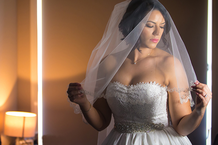 Tips for Posing Hands in Wedding and Portrait Photography