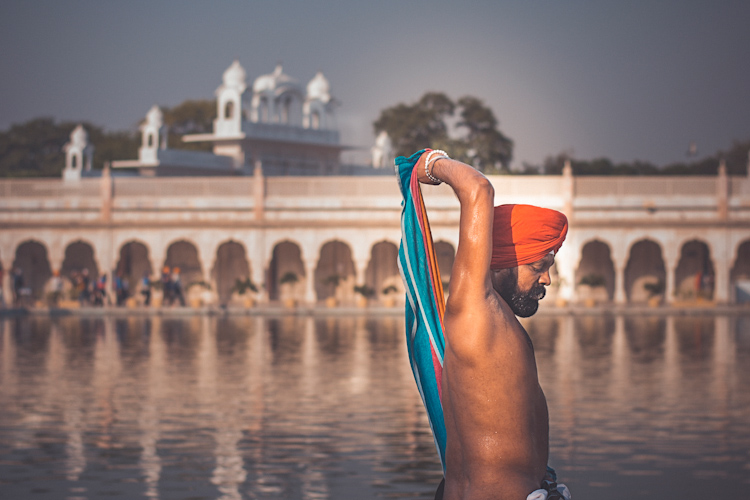 Gurudwara Bangla Sahib Delhi - 5 Tips for Travel Photography
