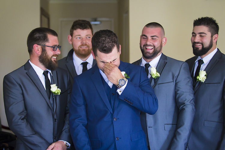 Posing Tips for the Groom in Wedding Photography