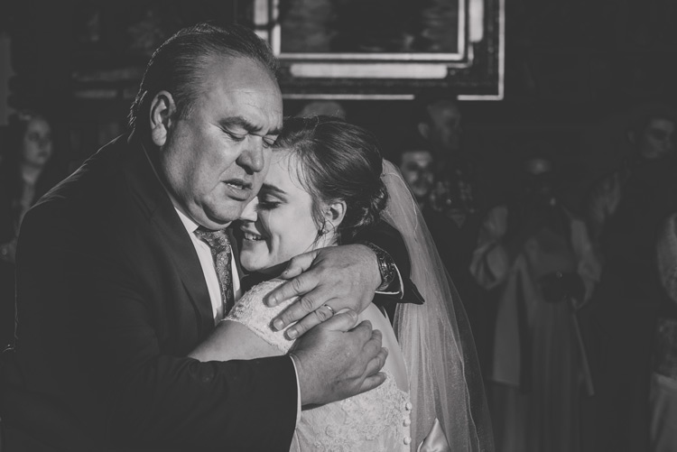 Tips for Using Off-Camera Flash at Weddings
