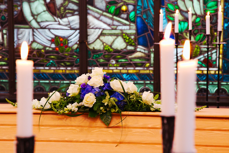 How to do Photography of a Funeral Tastefully and with Respect