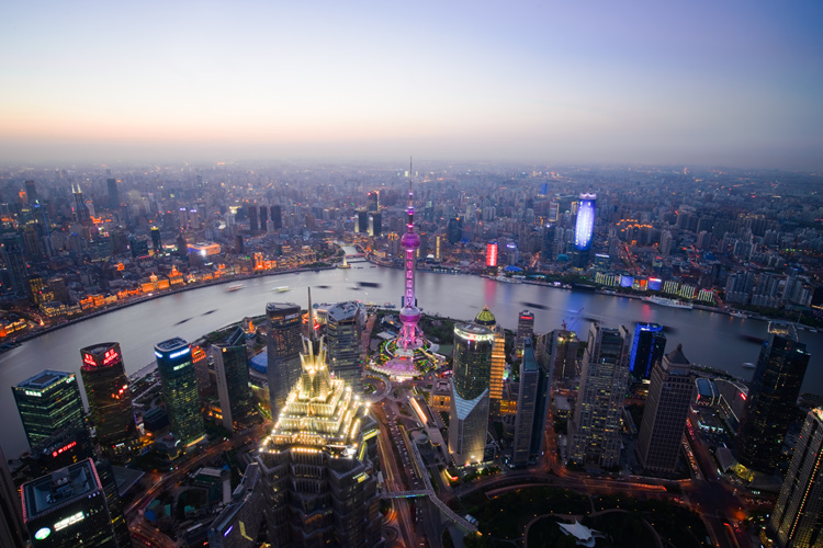 Shanghai - Tips for Shooting Through a Glass Window of an Observation Deck at Blue Hour