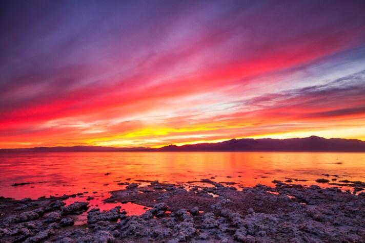 加利福尼亚州索尔顿海,Corvina海滩的日落-如何制作讲故事的风景照片-4个步骤