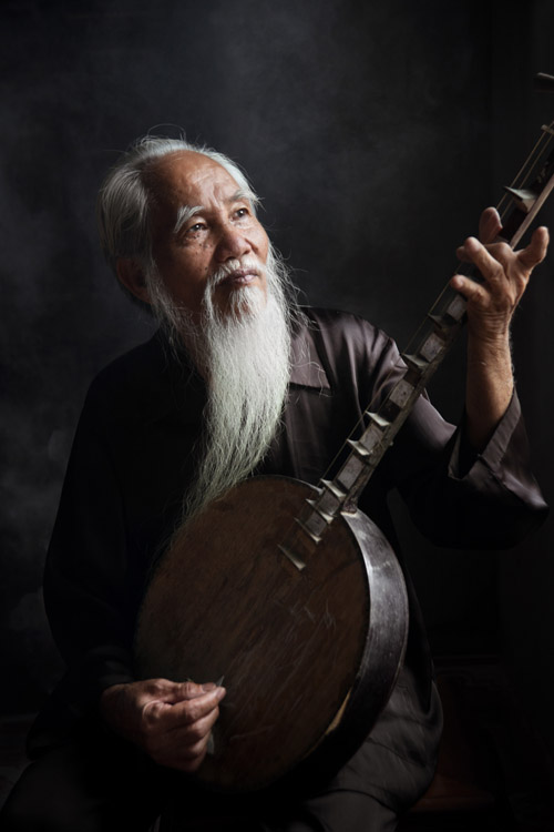 Old Man with Lute - Putting the Fine Art into Travel Photography