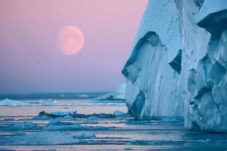 007 color contrast moon iceberg - 5 Tricks to Make Your Landscape Photos Stand Out