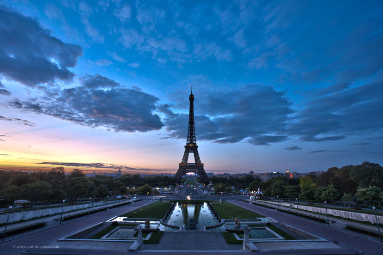 Eiffel tower at dusk - How to overcome your technical or artistic shortcomings and improve your photography
